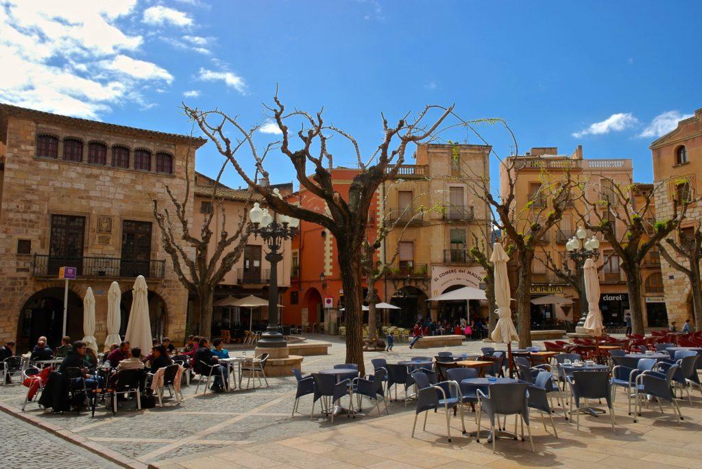 Marktplatz Montblanc nahe Tarragona und dem Naturpark Serra de Montsant