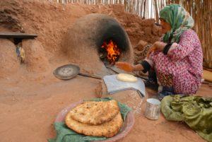 Ofen mit Brot in Marokko