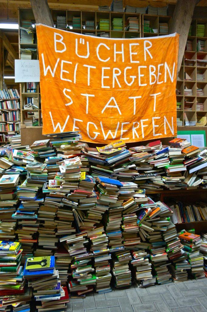 Bücher-Rettungsprojekt auf der Bücherburg
