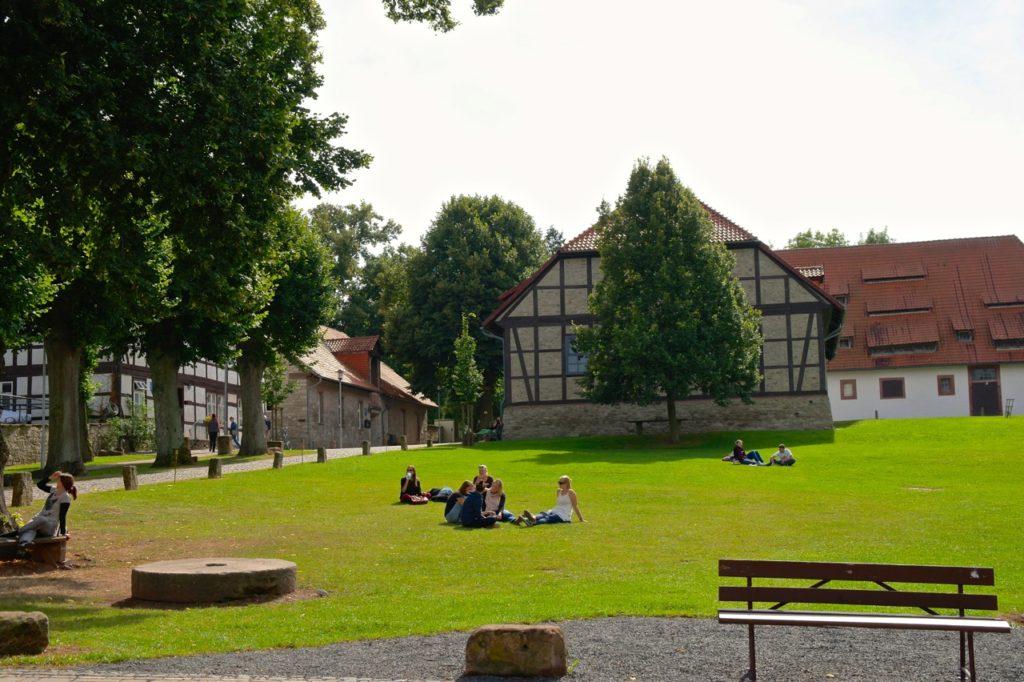 Picknick auf der Bücherburg