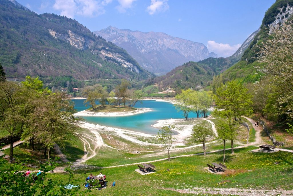 Lago di Tenno nördlich vom Gardasee