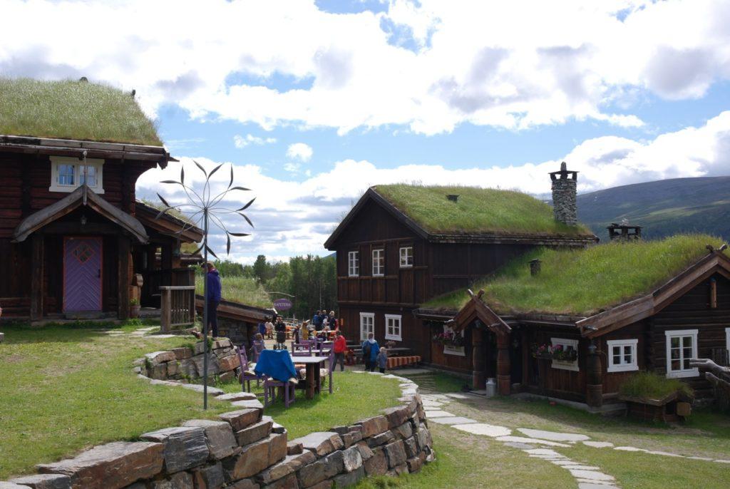 Gelände eines Bauernhof in Norwegen