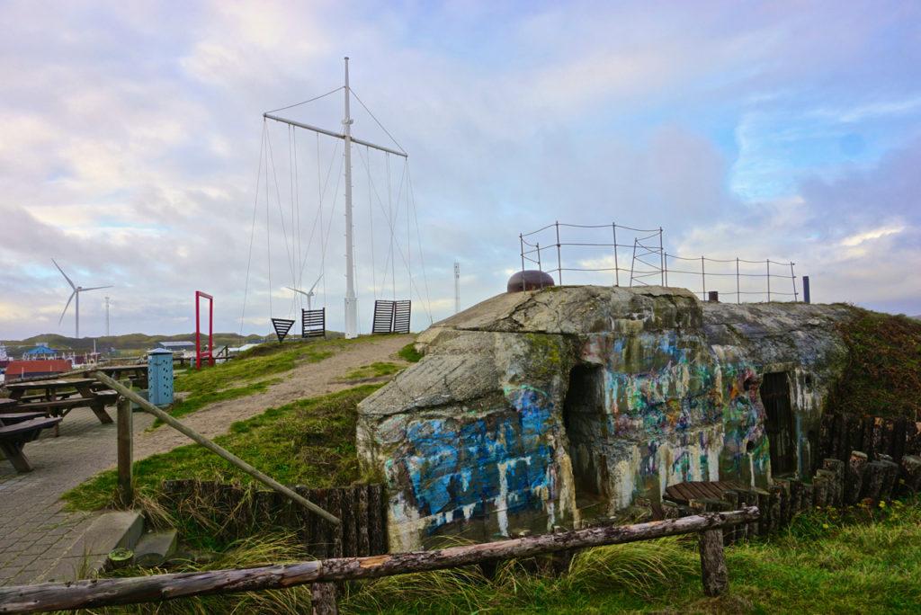 Bunker auf Hügel in Hvide Sande