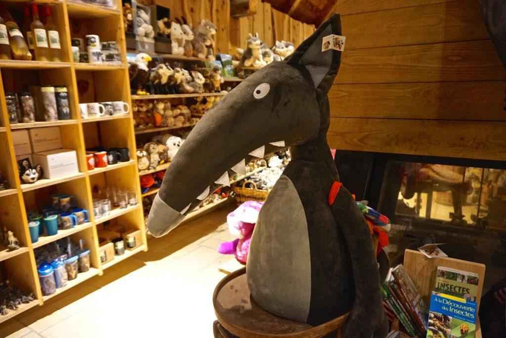 Stofftier Wolf im Souvenier-Shop
