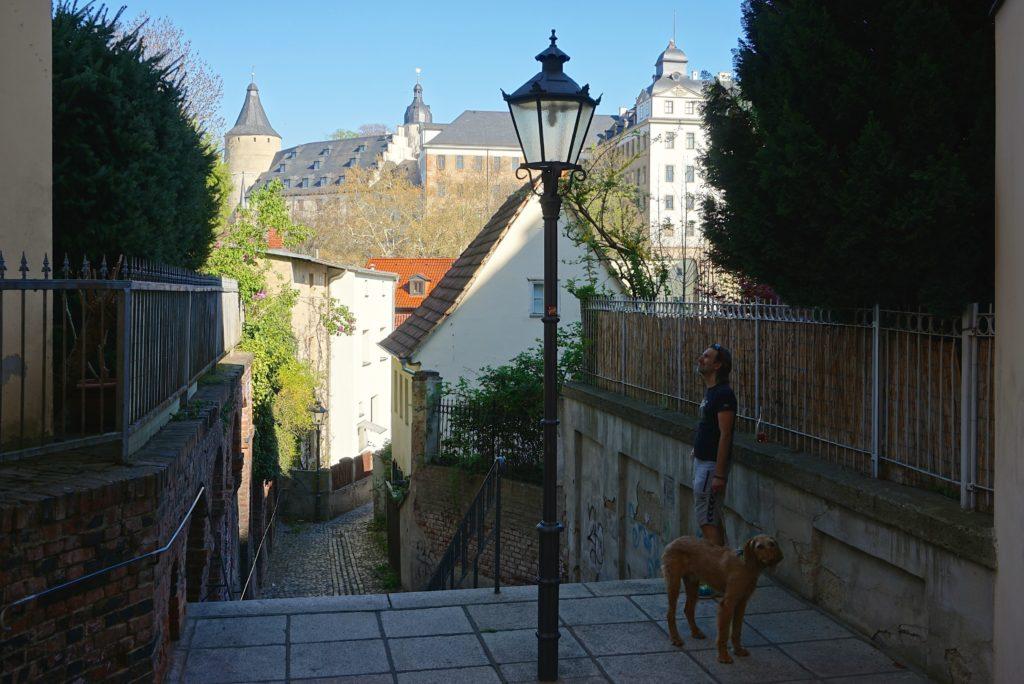 Durch Gassen zum Schloss Altenburg