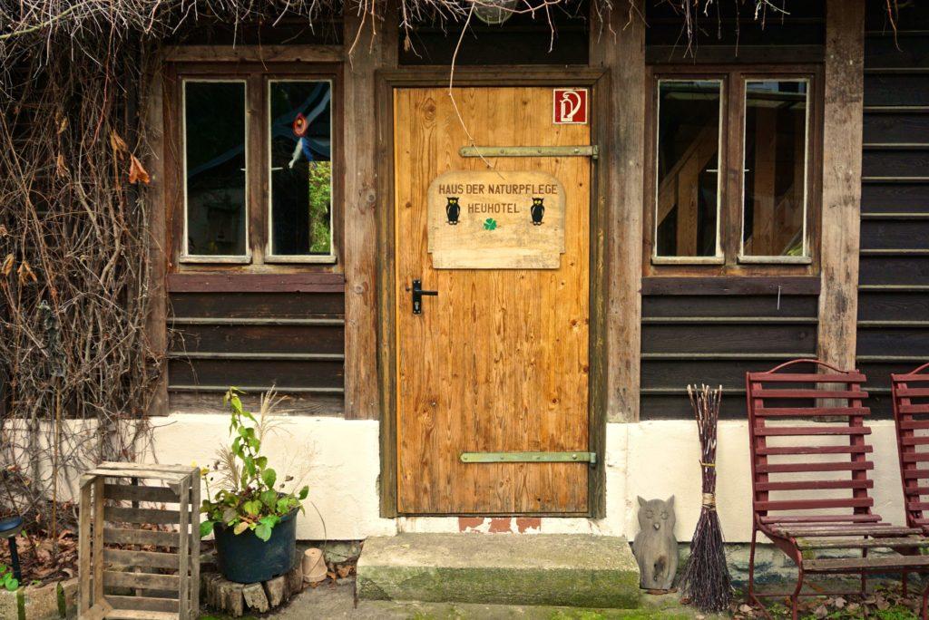 Heuhotel im Haus der Naturpflege_tierisch-in-fahrt.de