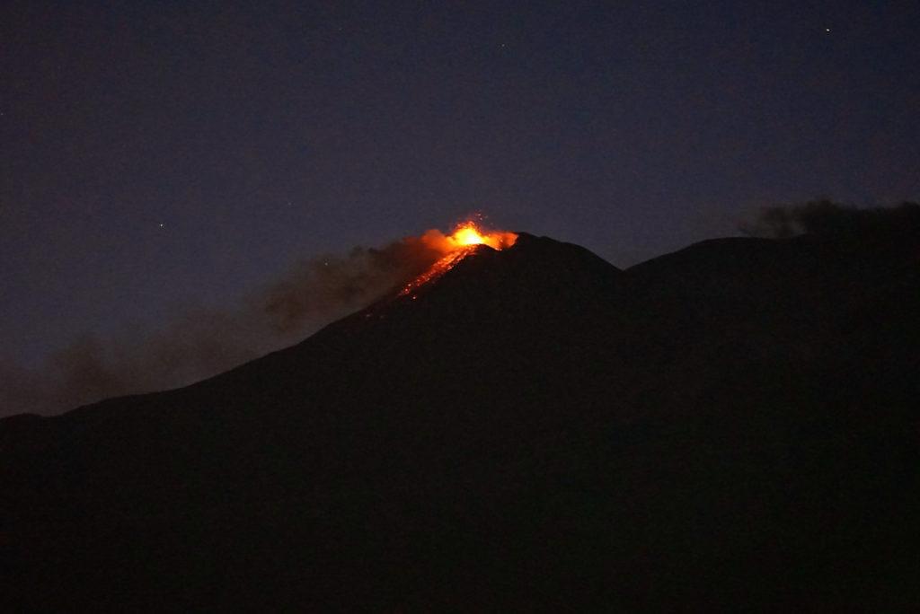 Vulkan, Ätna mit Lava_tierisch-in-fahrt.de